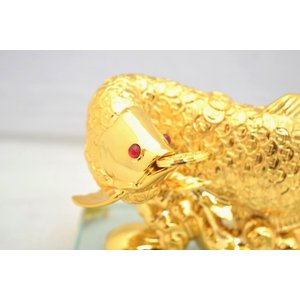 アロワナ 龍魚 振り向き 樹脂製置物 ガラス台座 銭鱗 中|ryu|07