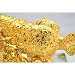 アロワナ 龍魚 振り向き 樹脂製置物 ガラス台座 銭鱗 中|ryu|08
