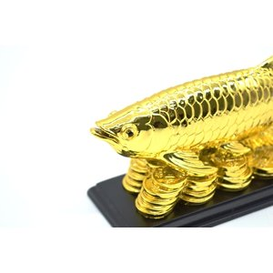 アロワナ 龍魚 台座付き 樹脂製置物 金色 中 ryu 05