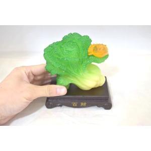 白菜 百才 百財 三脚蟾蜍 樹脂製置物 台座付き 中 ryu 06