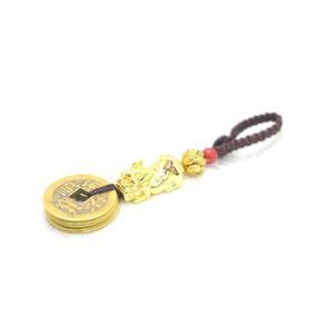 【メール便OK】 貔貅 ヒキュウ ボタン式ストラップ 金メッキ 五帝銭 蓮 ミニチュアサイズ|ryu