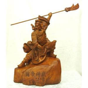 関羽 樹脂製置物 木彫り風 ビジネスの神様  開運 風水|ryu