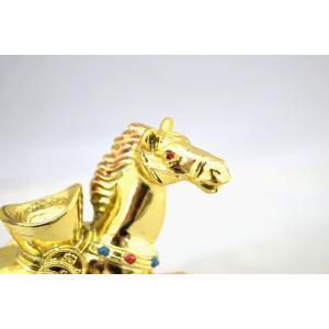 馬 午 樹脂製 元宝乗せ 金色 台座付き 中|ryu|06