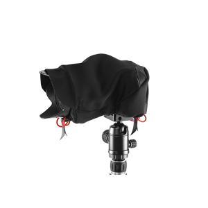 雨や雪、埃、こすれからカメラをまもる、シェル。 手で持っているときや、三脚に載っているとき、バッグの...