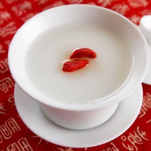 簡単杏仁豆腐の素180g(クコの実付き) あんにんどうふ 杏仁豆腐セット あんにん 中華スイーツ 手作り杏仁|saika