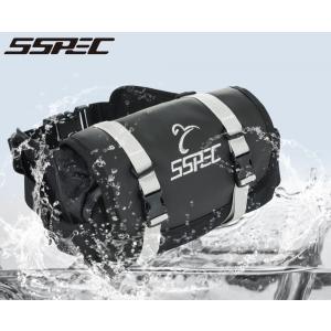 付属のベルトで簡単装着、防水バッグ。  低価格ながら防水仕様  普段使いからツーリングまで充分な容量...