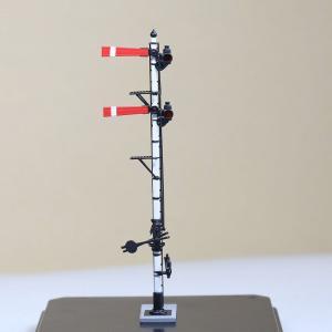1/80 <点灯・可動式> 降雪地仕様 腕木信号機 「場内信号機 」主/副本線二段 :工房ナナロクニ 塗装済完成品 1/80(HO) 1077 sakatsu