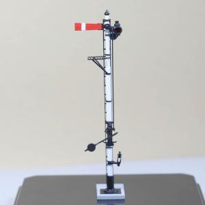 1/80 <点灯・可動式> 降雪地仕様 腕木信号機 「出発信号機 」主本線用 :工房ナナロクニ 塗装済完成品 1/80(HO) 1079 sakatsu