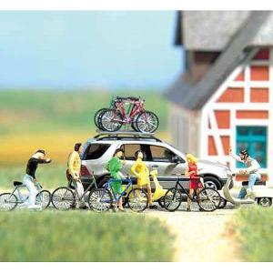 自転車とスクーター(べスパ)セット 輪止め、ルーフラック付き :ブッシュ キット HO(1/87) 6013 sakatsu