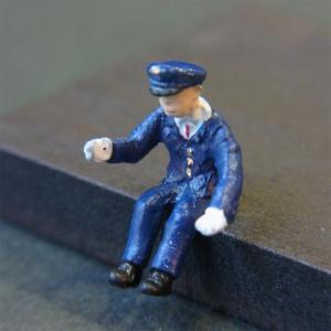 さかつう人形シリーズまなべコレクション バスの運転手 :さかつう 塗装済完成品 HO(1/87) 7519|sakatsu