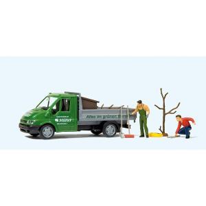 園芸作業する人(フォード・トランジットトラック) :プライザー 塗装済完成品 HO(1/87) 33260|sakatsu