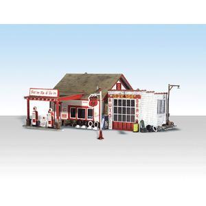 ガソリンスタンド、修理所 :ウッドランド 塗装済完成品 N(1/160) 4922|sakatsu
