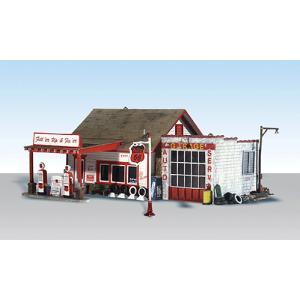 ガソリンスタンド、修理所【LED付き】 :ウッドランド 塗装済完成品 HO(1/87) 5025|sakatsu
