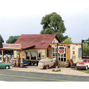 ソニーのガソリンスタンド :ウッドランド 未塗装キット HO(1/87) 5183