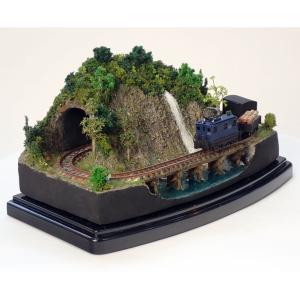 ダイソーケースレイアウト#10 「貨物列車が走るA」 :石川宜明 塗装済完成品 1/150 スケール|sakatsu