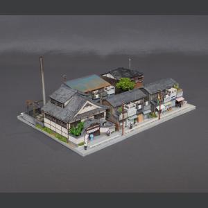 ユニット・ジオラマ 「商店長屋と銭湯(金魚湯)」 :岡田忠明 塗装済完成品 N(1/150)|sakatsu