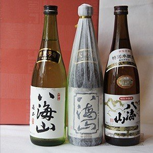 お歳暮 ギフト 日本酒 八海山 大吟醸 純米吟醸 特別本醸造 飲み比べセット 720ml 各1本 新潟県 八海醸造 地酒 飲み比べ 詰め合わせ ギフトセット ギフト 御歳暮|sake-okadaya