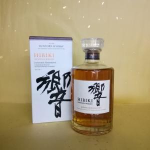 サントリー響(suntory hibiki JAPANESE HARMONY)は、響らしい品格を持ち...