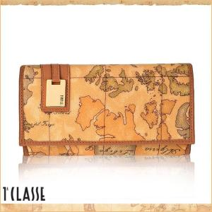 地図柄にロゴプレートがお洒落な長財布。たっぷりのポケットですっきり収納できるので機能的な設計になって...