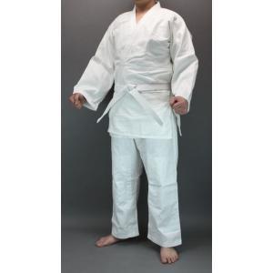 ポリエステルと綿の混紡生地の正課用の柔道衣です。 学校の授業用・初心者用に最適です!  丈夫でしっか...