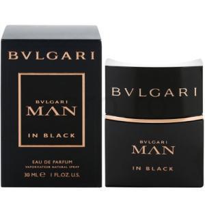 ブルガリが創業130周年記念のフレグランス。 ボトルは、まるで黒い溶岩から生み出されたような一枚岩の...