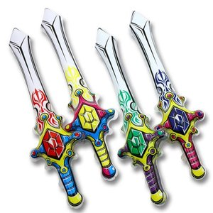 男の子大喜びの剣型ビニール玩具です♪ヒモが付いているタイプです! 空気で膨らませて遊んでね☆膨らんで...