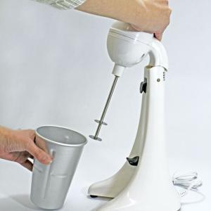 シェイクをご家庭で楽しんでいただける、コンパクトなかくはん器です。 お好みの材料をカップに入れてスイ...