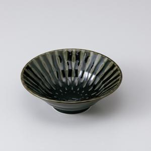 和食器 しのぎ織部グリーン釉 深鉢 中鉢 ボウル おうち ごはん うつわ 陶器 カフェ 日本製 おしゃれ 煮物 サラダ|sara-cera