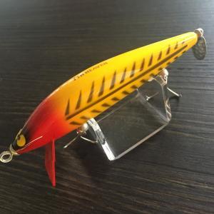 ガウラクラフト サンガースティック Color:イエローレッドヘッド 110mm 5/8oz バルサ製|saurusking