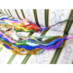 トライバル装飾 毛糸・羽根(ワイヤーあり) ライトカラー系|sdf