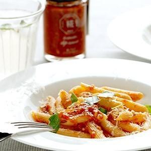 ゆっくり丁寧に煮込んだ北海道産トマトに、北海道産生姜とじっくり炒めたニンニクを加えました。 北海道米...