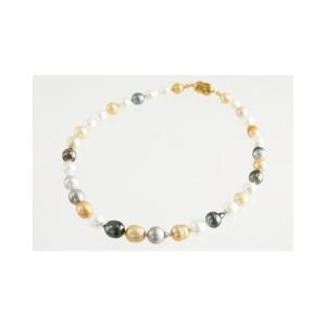 南洋真珠を贅沢に使用したエレガントなバロックマルチカラー。同じ物が二つとない自然の神秘に魅了。先端に...