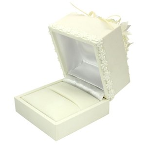 エンゲージ リング 指輪 ケース 箱 フラワー ジュエリー ボックス BOX アクセサリー 用品 rda326 送料無料の写真