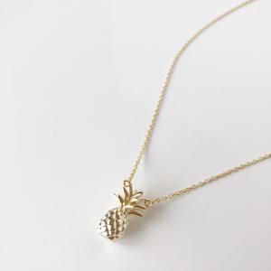 パイナップルデザインネックレス ハワイアンジュエリー調ヘッド レディースペンダント おしゃれなフルーツ|seashells-zakka
