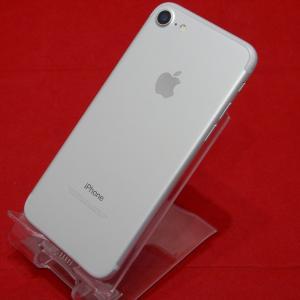 Apple アップル iPhone7 32GB ドコモSIMロック解除 MNCF2J/A シルバー ...