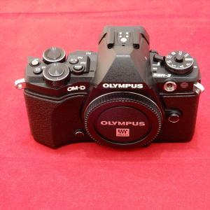 OLYMPUS オリンパス OM-D E-M5 Mark II 1605万画素 マイクロフォーサーズ...
