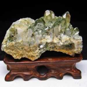 グリーンファントムクォーツ クラスター アメリカ産 パワーストーン 天然石 t126-7431|seian
