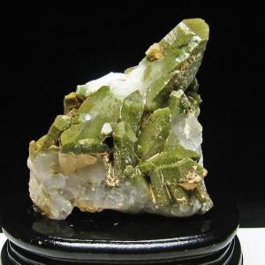 グリーンファントムクォーツ クラスター アメリカ産 パワーストーン 天然石 t126-7374|seian