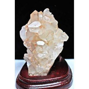 【クリスタルクォーツ(水晶)】  無色透明の水晶。世界中で最も知られ、その効果は万能とされ、水晶とい...