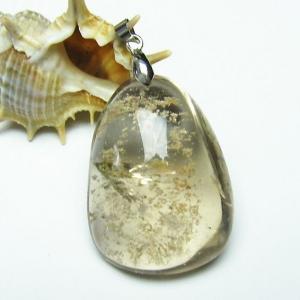 ガーデンクォーツ(庭園水晶) ペンダント  パワーストーン 天然石 t136-2602|seian