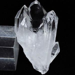 アーカンソー州産 水晶クラスター t619-4704|seian