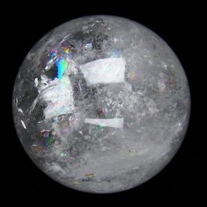虹入り ヒマラヤ水晶 丸玉 70mm  t62-13390