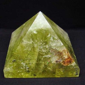 1.6Kg 虹入り シトリン水晶ピラミッド パワーストーン 天然石 t648-3266|seian