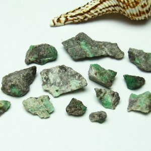 詰め合わせセット売り エメラルド 原石 パワーストーン 天然石 t672-709|seian