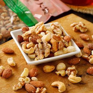 アーモンド、くるみ、カシューナッツ、マカダミアナッツを使用し食塩・植物油を加えずに仕上げました&lt...