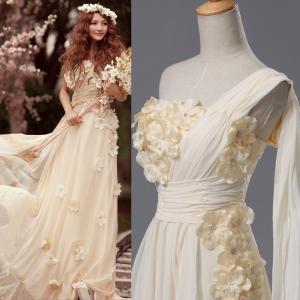 こちらのドレスは通常では考えられない、 まさかの超低価格を実現することが出来ました。 低価格なのに丁...