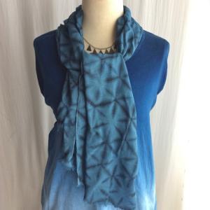 竹布ガーゼプチストール雪花絞りと草木と藍の重ね染め|sekkasibori
