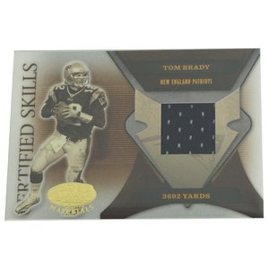 NFL ペイトリオッツ トム・ブレイディ 2005 3692 ヤーズ ユニフォーム カード 041/175 ドンラス/DonRuss レアアイテム【1909プレミア】|selection-j