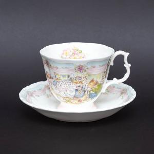 ロイヤル・ドルトン ブランブリーヘッジ ウェッディング ティーカップ&ソーサー|selectors
