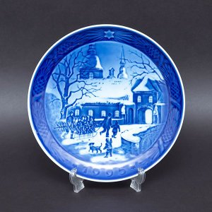 ロイヤル・コペンハーゲン イヤープレート(1995年)『Chrismas at the Manor House(マナーハウスでのクリスマス)』|selectors